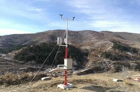 托莱斯气象站走进新疆卡拉其古自然